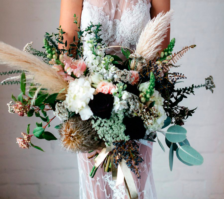 ramo novia con hierba de las pampas; bouquet with pampas grass